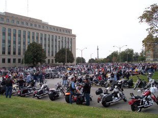 2006 toy run gathering at capitol