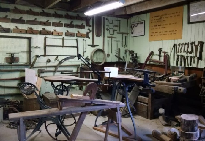 Example woodworking shop | Biker Chick News